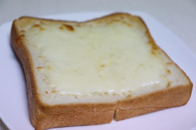 オイシックスのチーズトースト