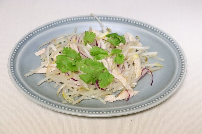 蒸し鶏アジアンサラダの完成