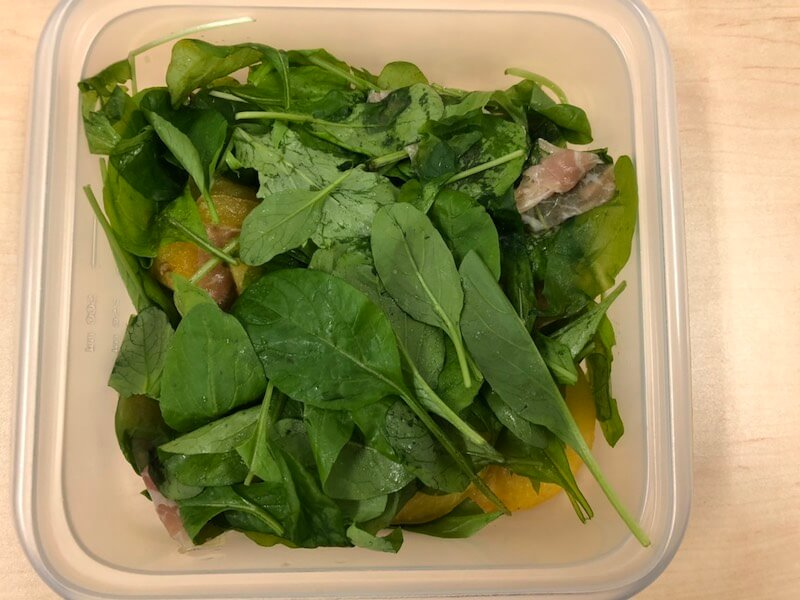 DEAN&DELUCAの生ハムと柿サラダ
